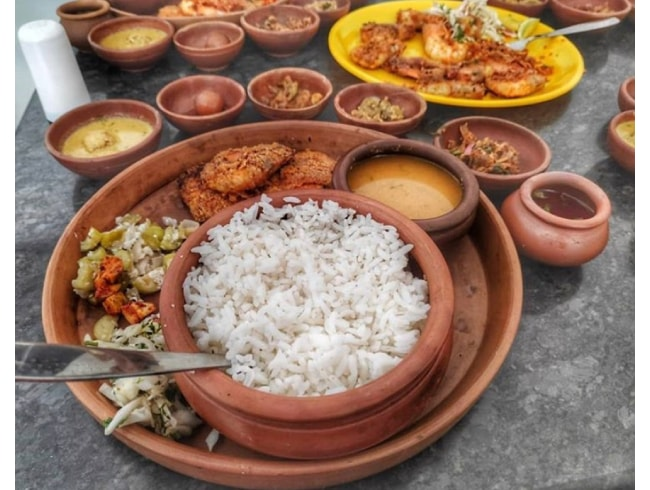Fish Thali in Earthen Vessels at an Affordable Price? I know where!